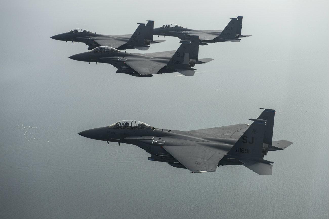 F-15 Eagles aircraft team