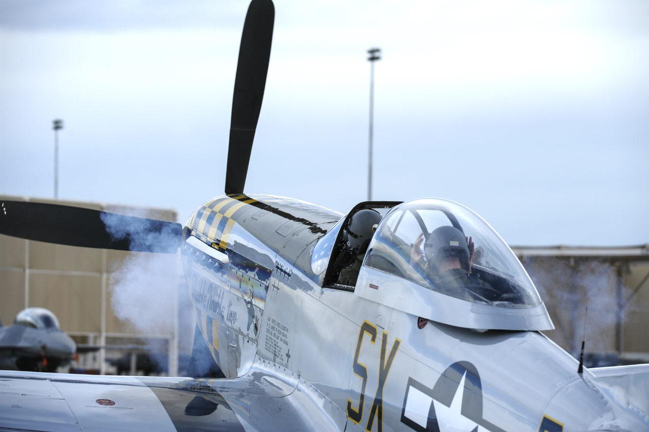 P-51 Mustang Engine start