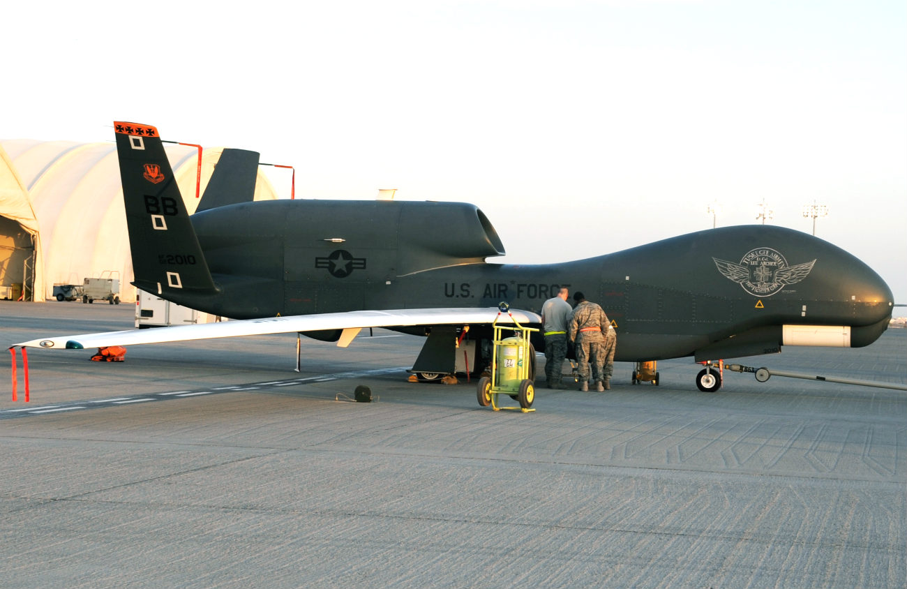 RQ-4 Images Global Hawk Maintenance