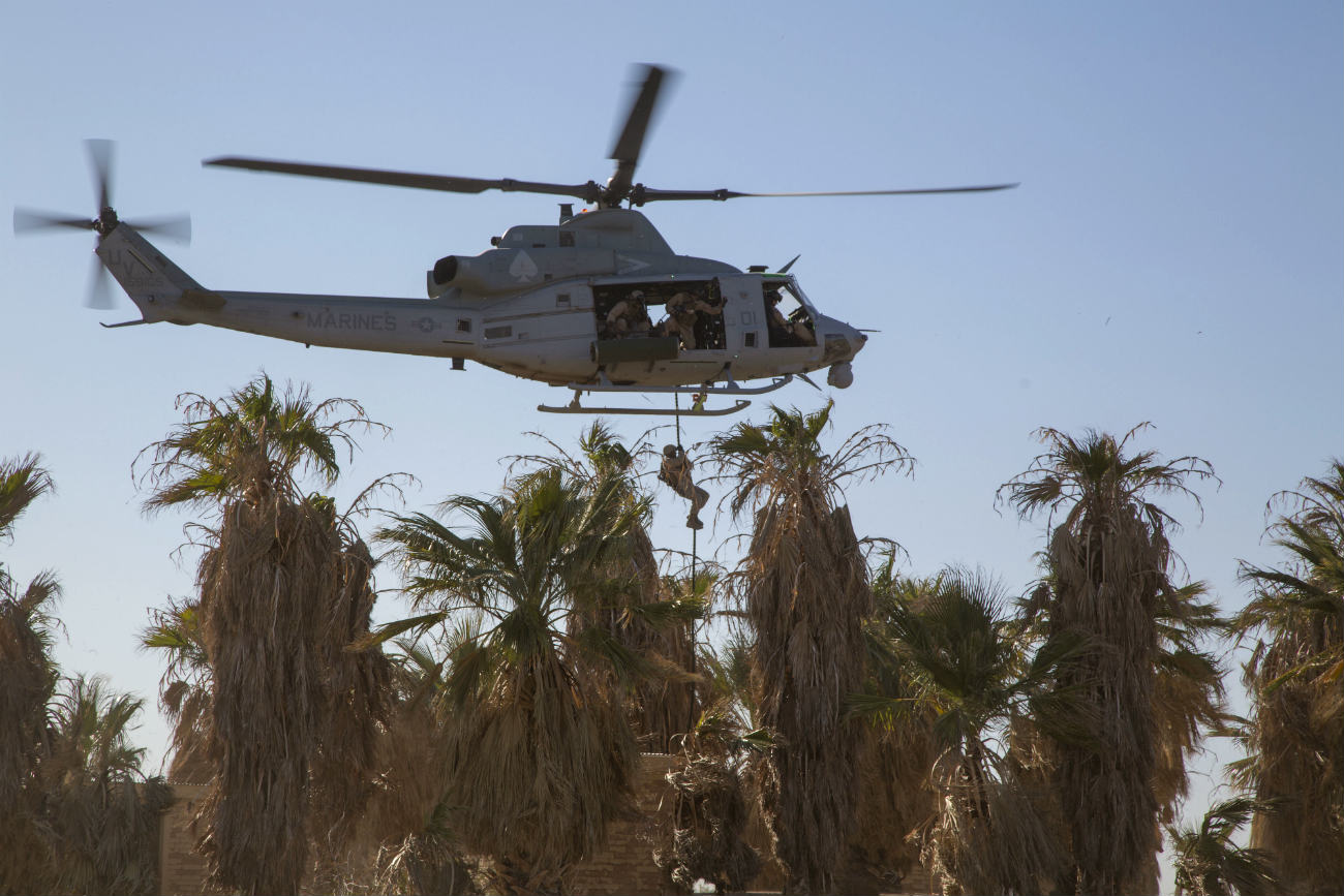 UH-1 Helicopter Fast rope