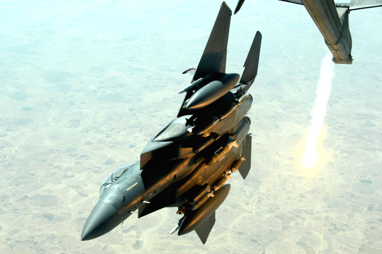 F-15 Eagle fires missles