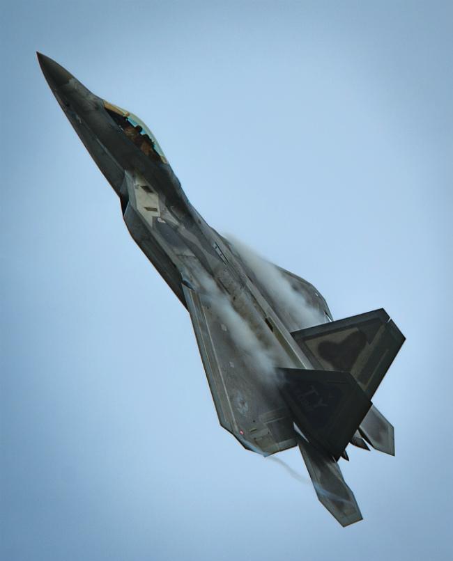 F-22 Overhead flying