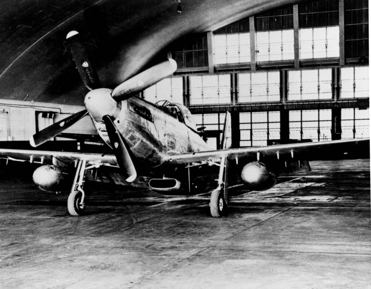 p-51 Mustang images hanger