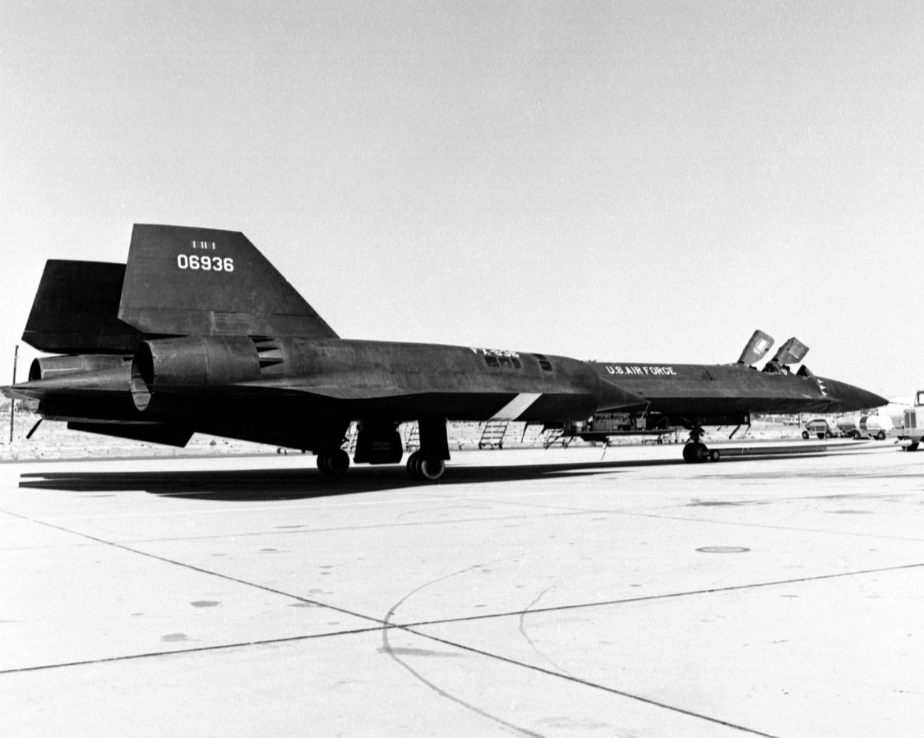 Lockheed YF-12 - On Edwards Ramp