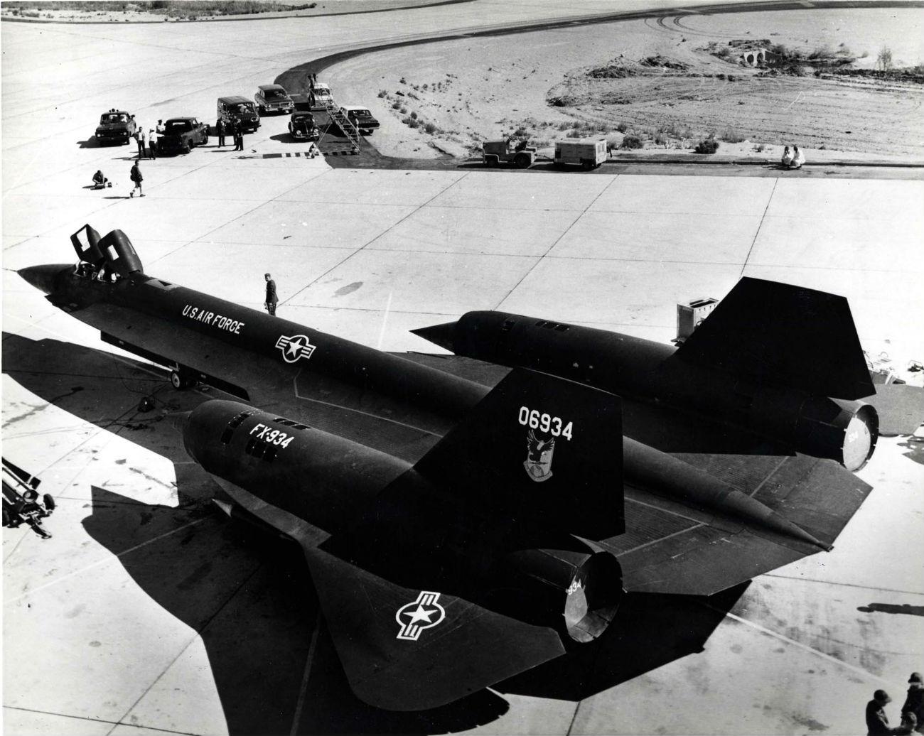 Lockheed YF-12 - On the ground