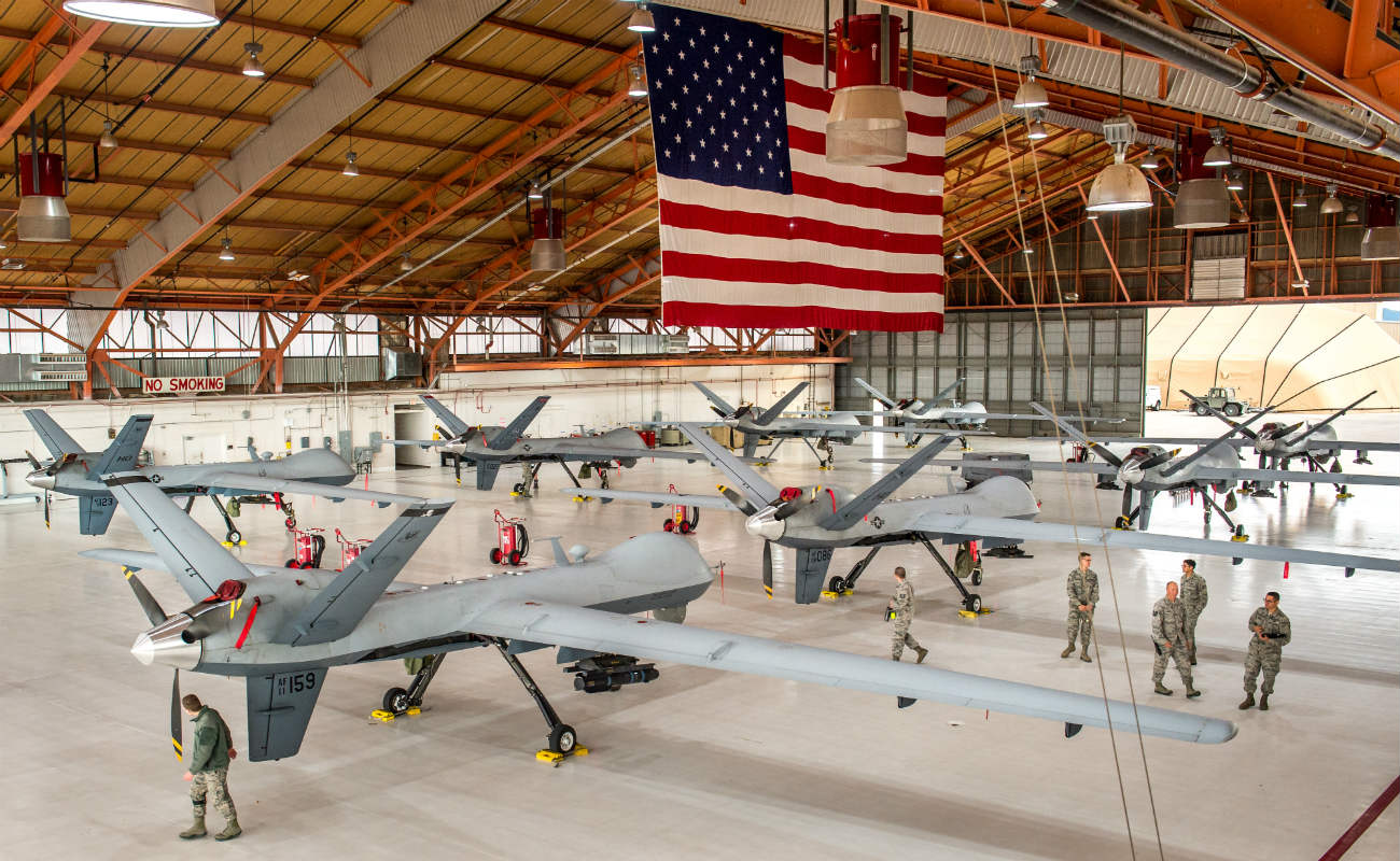 MQ-9 Reaper - Llined up