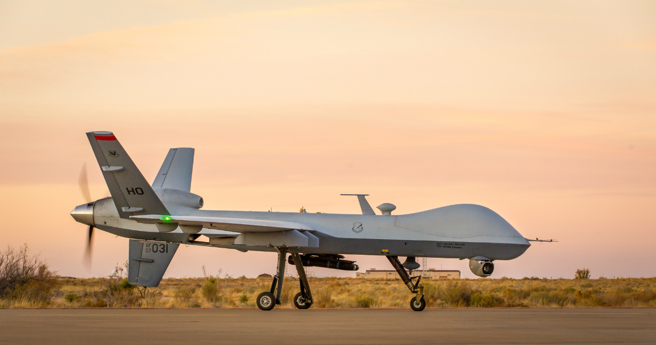 MQ-9 Reaper - Taxis on flightline