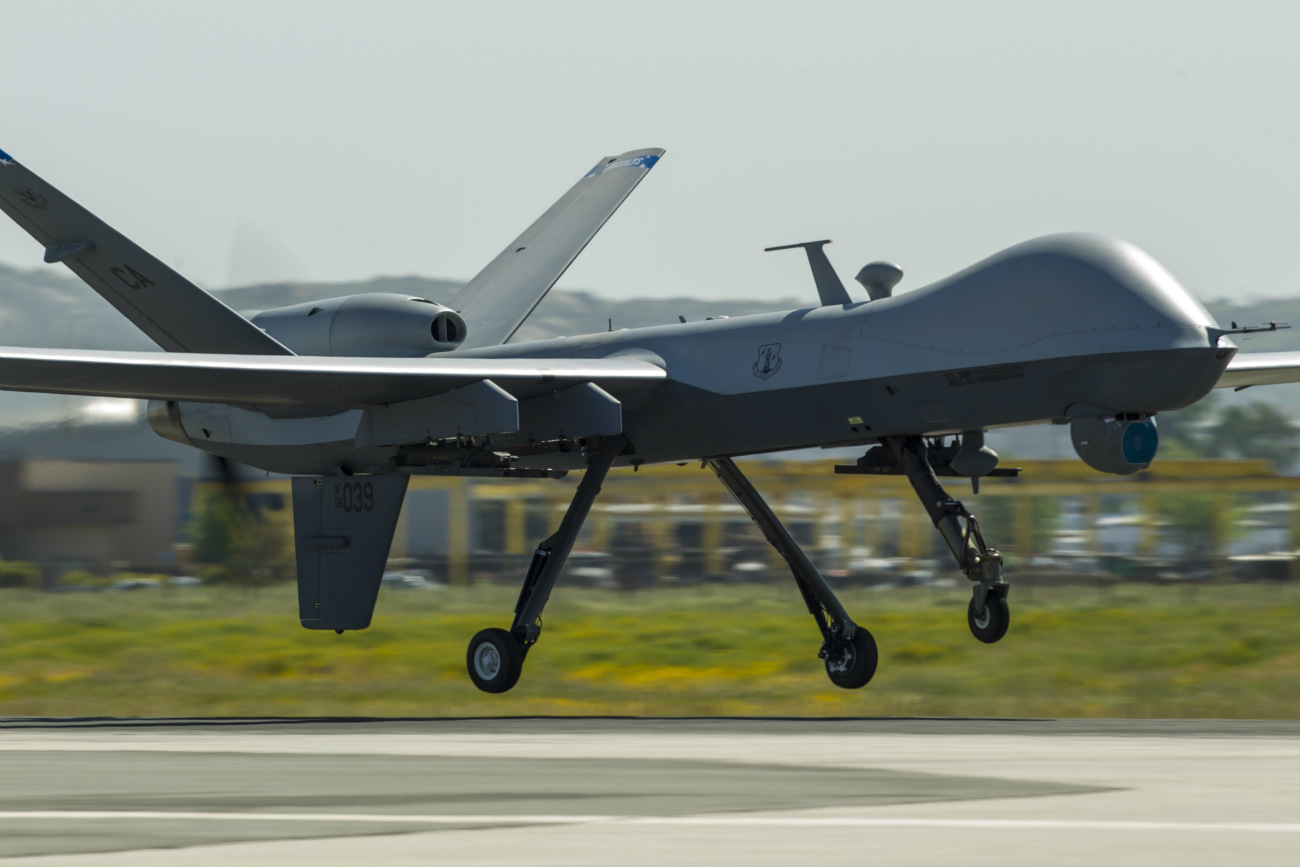 MQ-9 Reaper - Touch and go