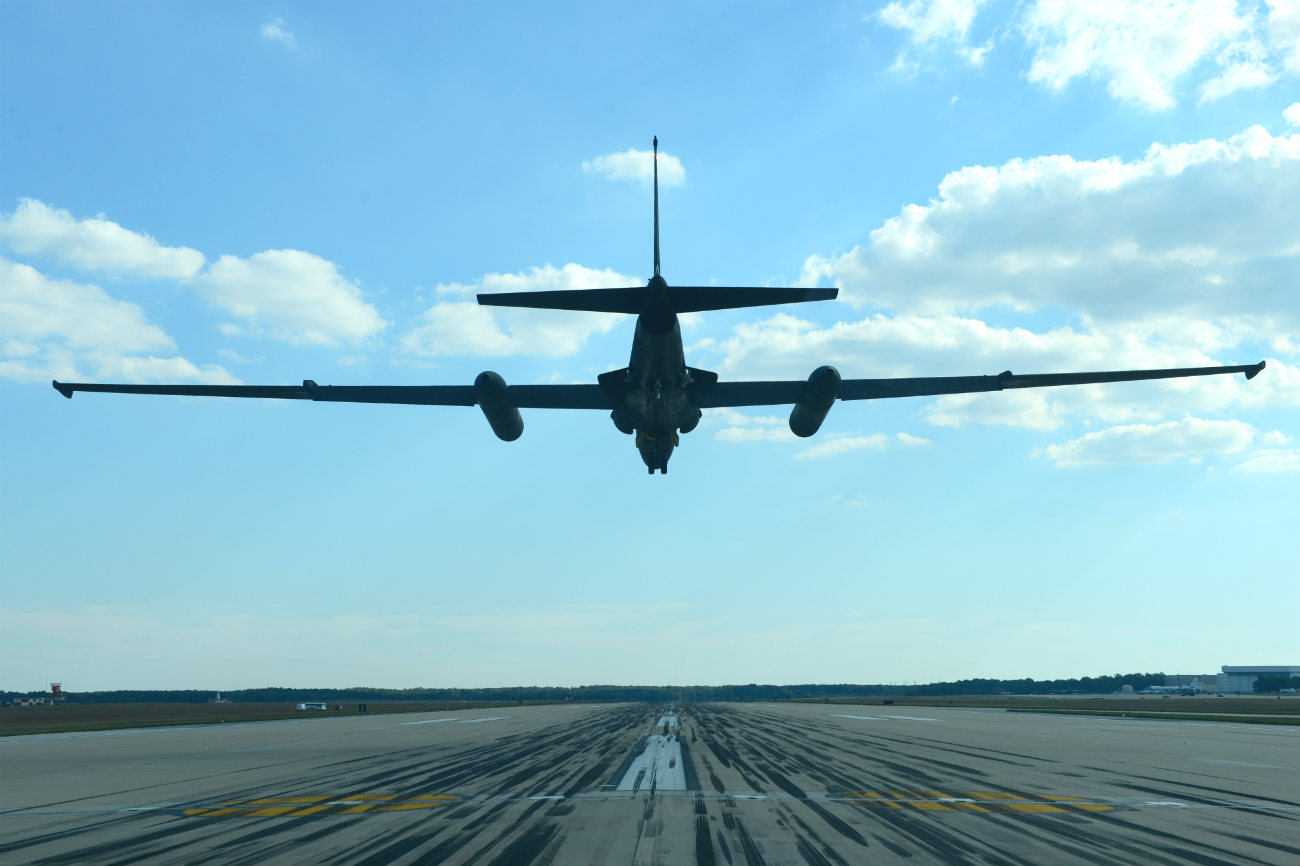 U-2 Dragon lady landing tail