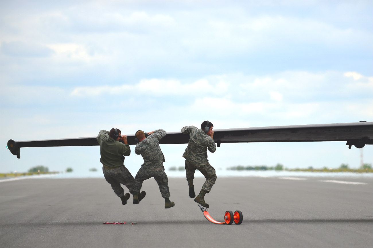 U-2 dragonlady soldiers on wing