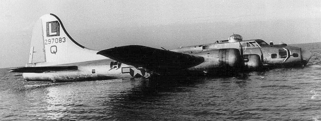 b-17 in the ocean wwii survival story