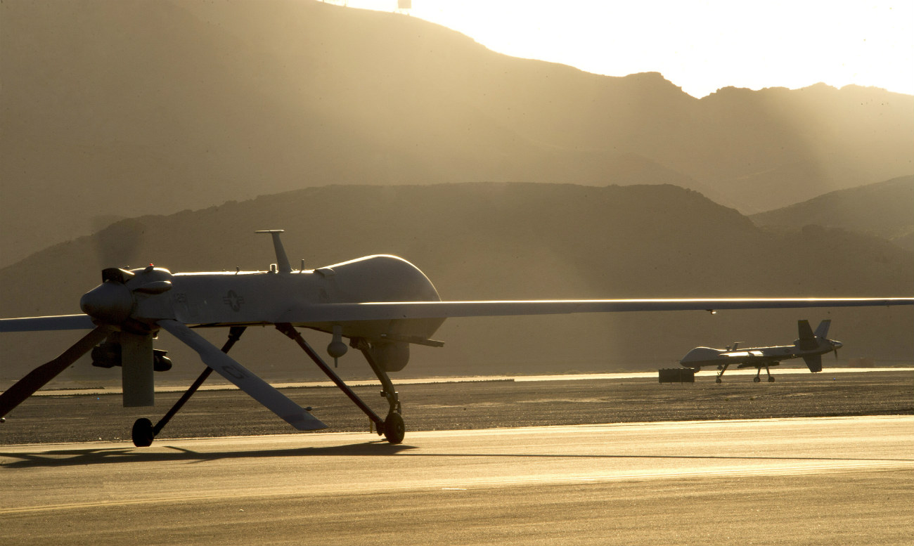 MQ-1 Predator and MQ-9 Reaper - Taxi to the runway