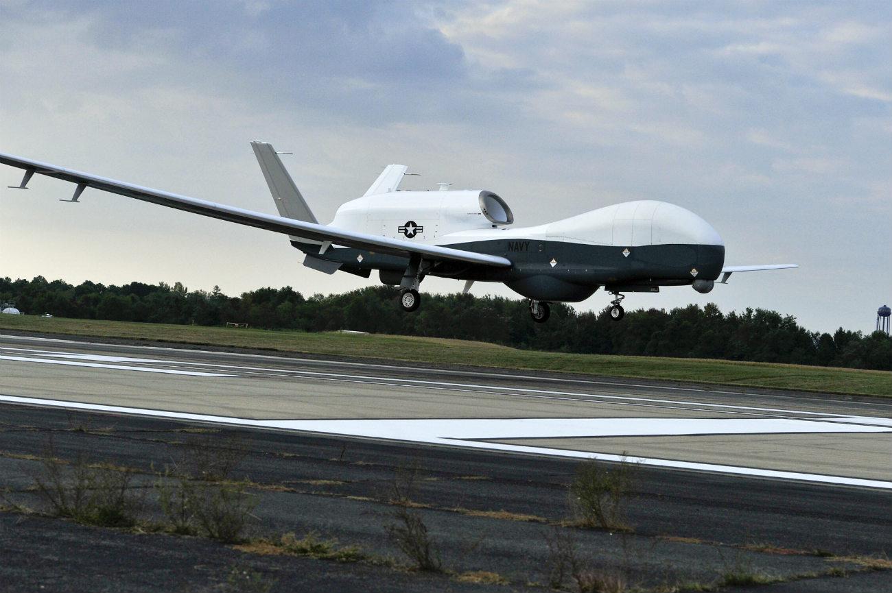 MQ-4C Triton - Landing