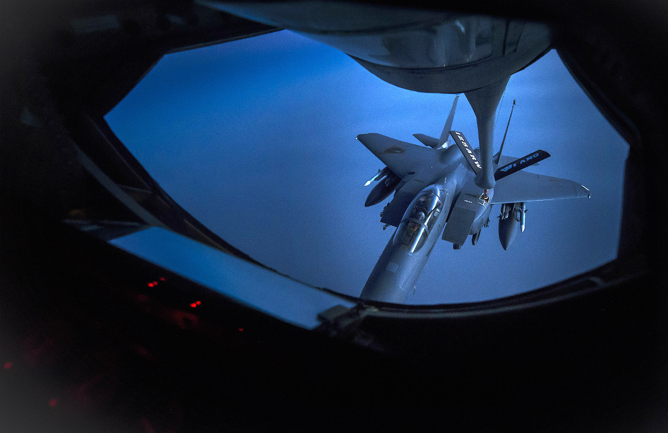 US Military Aircraft at Night Images - F-15E Strike Eagle aerial refueling