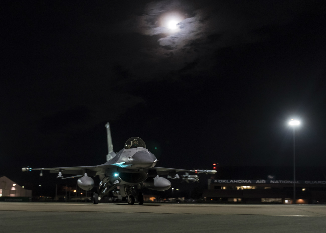 US Military Aircraft at Night Images - F-16 Fighting Falcon preparing for a flight