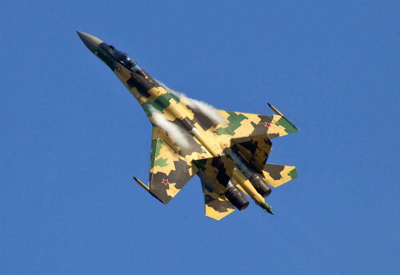 Su-35 performing at an air show