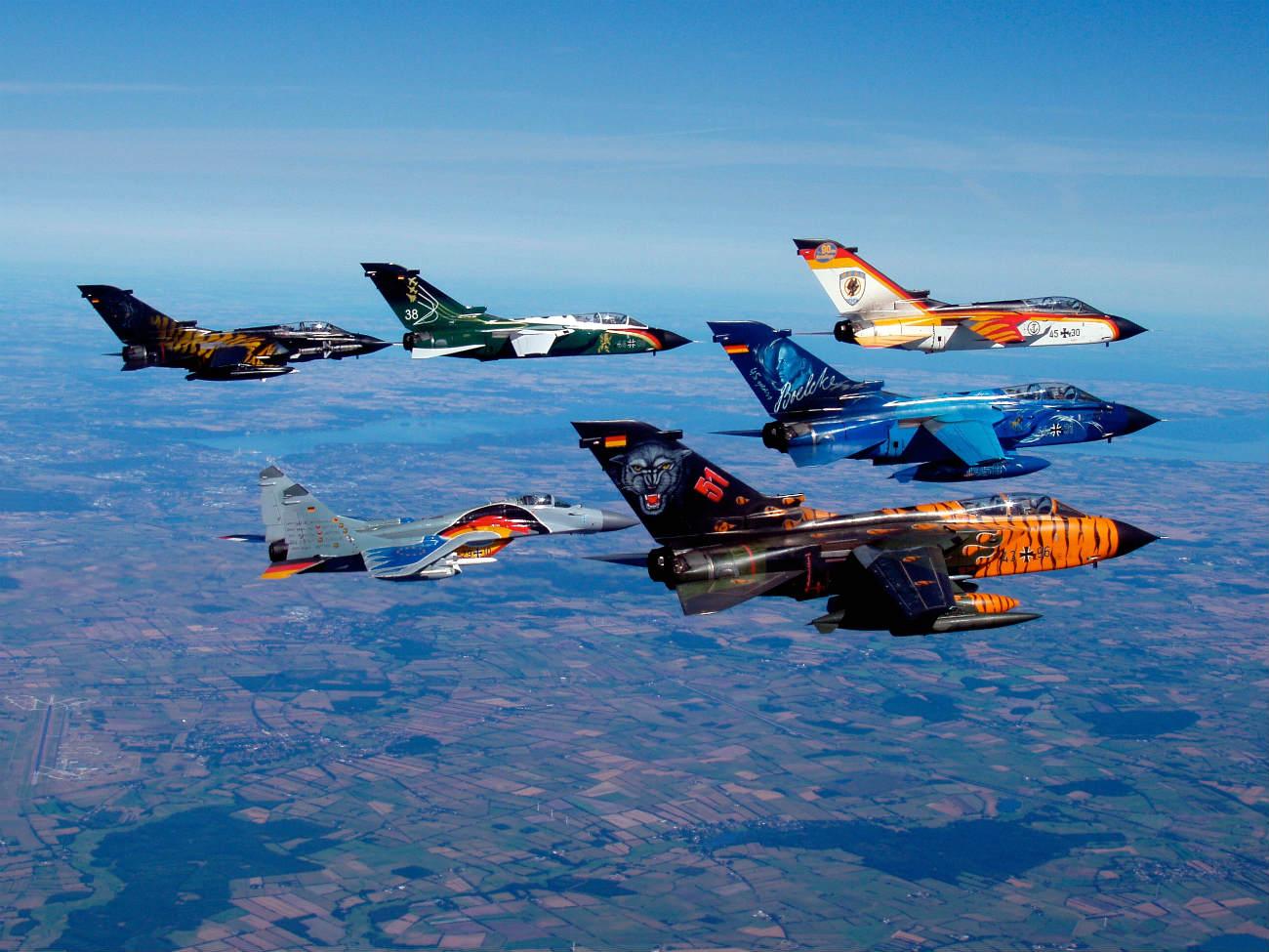 Captivating Images of Panavia Tornado formation flight