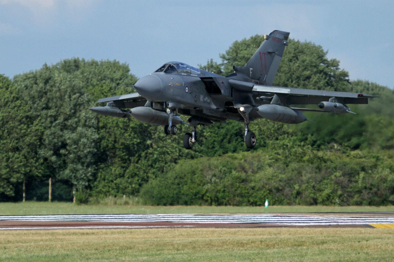 Captivating Images of Panavia Tornado landing