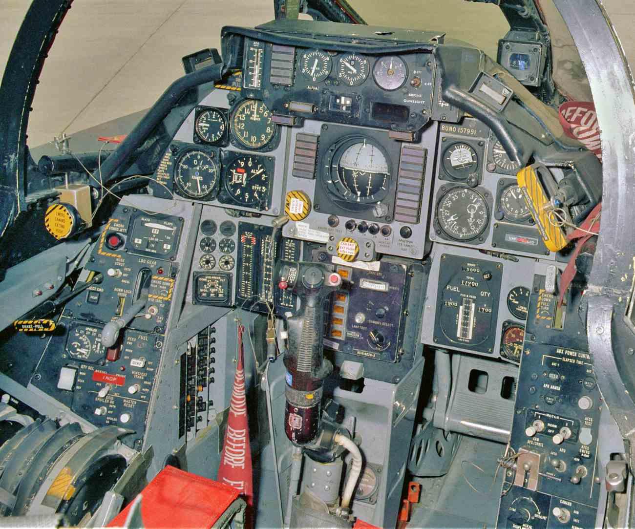 Attack Aircraft Cockpit Images, F-14 cockpit