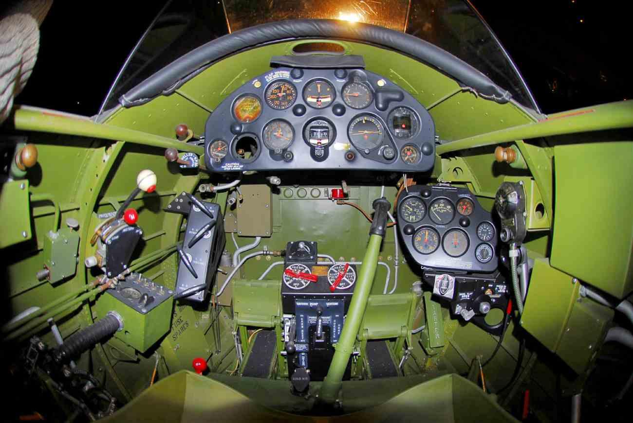 Fighter Aircraft Cockpit_A-17 cockpit