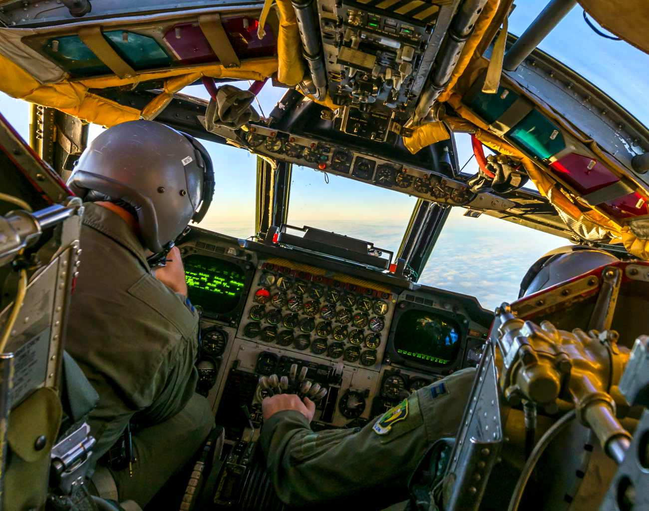 Fighter Aircraft Cockpit_B-52 Cockpit
