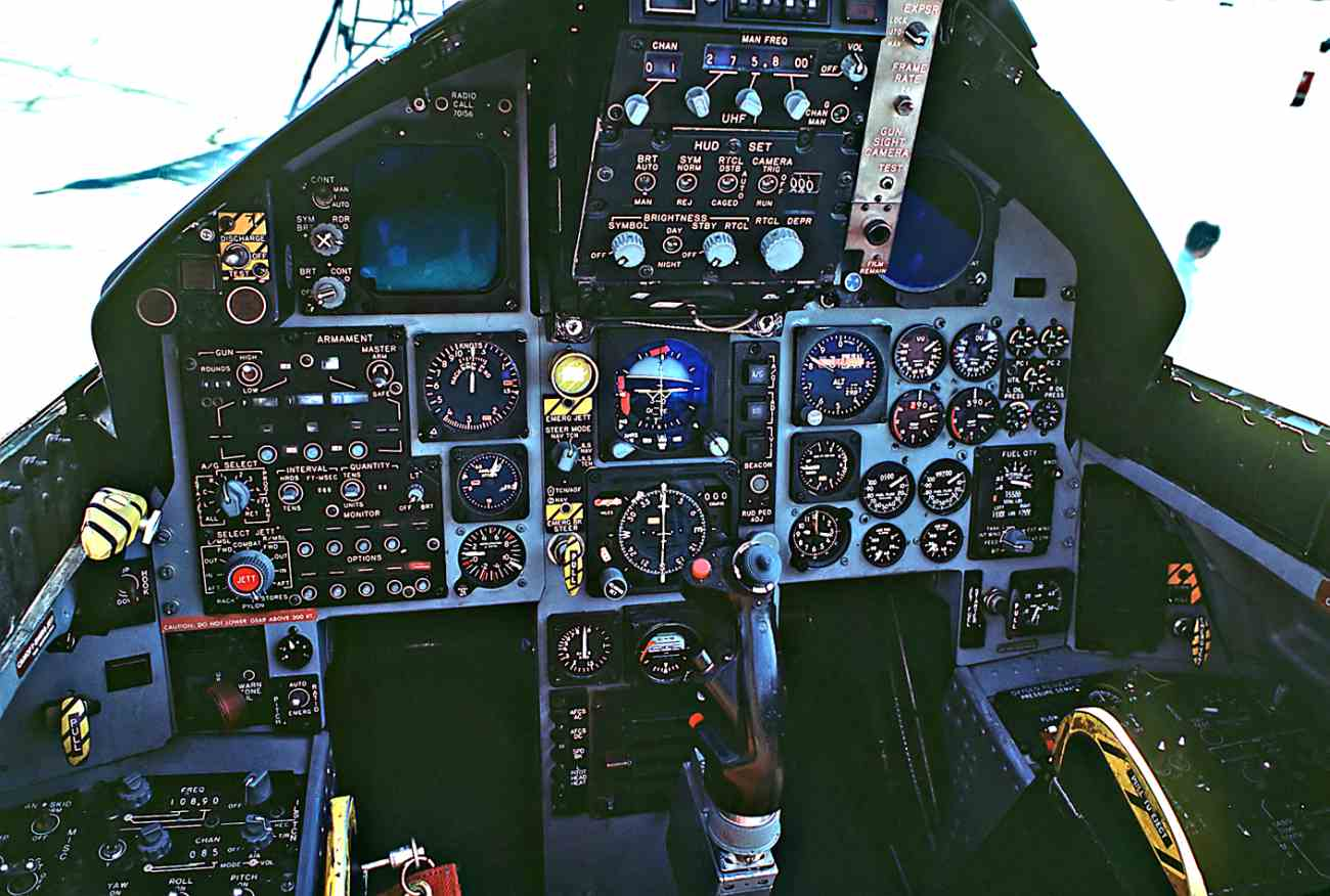 Fighter Jet Cockpit, F-15 cockpit