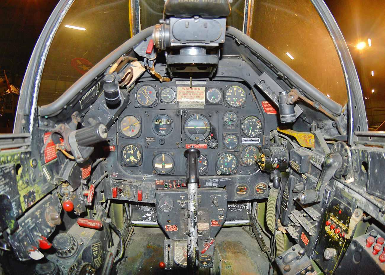 Fighter Jet Cockpit Images_P-51 Cockpit