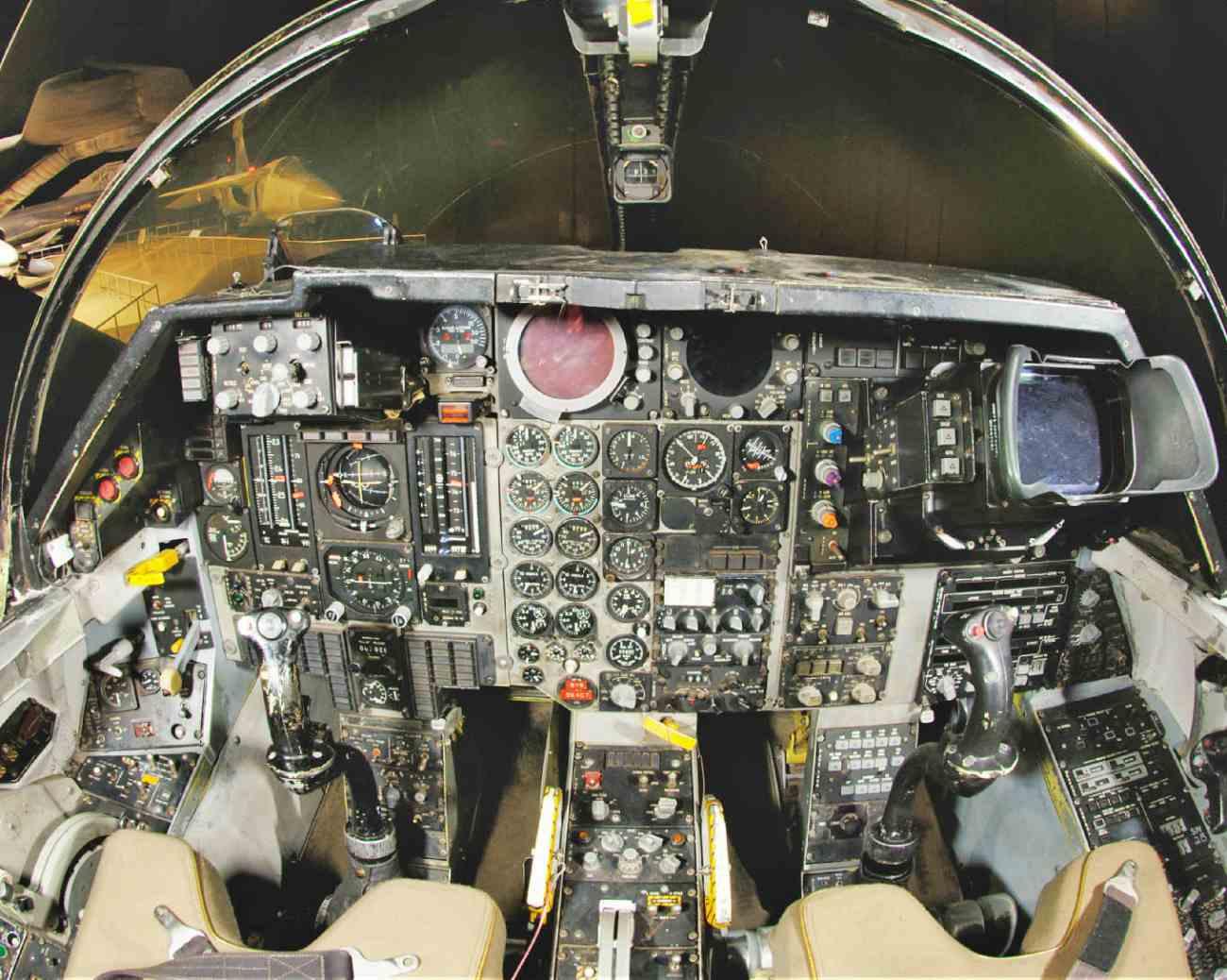Fighter Jet Cockpit_F-111 cockpit