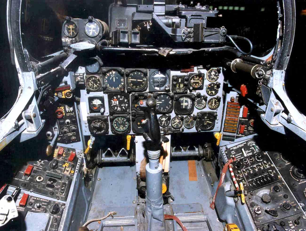 Fighter Jet cockpit_F-100 cockpit