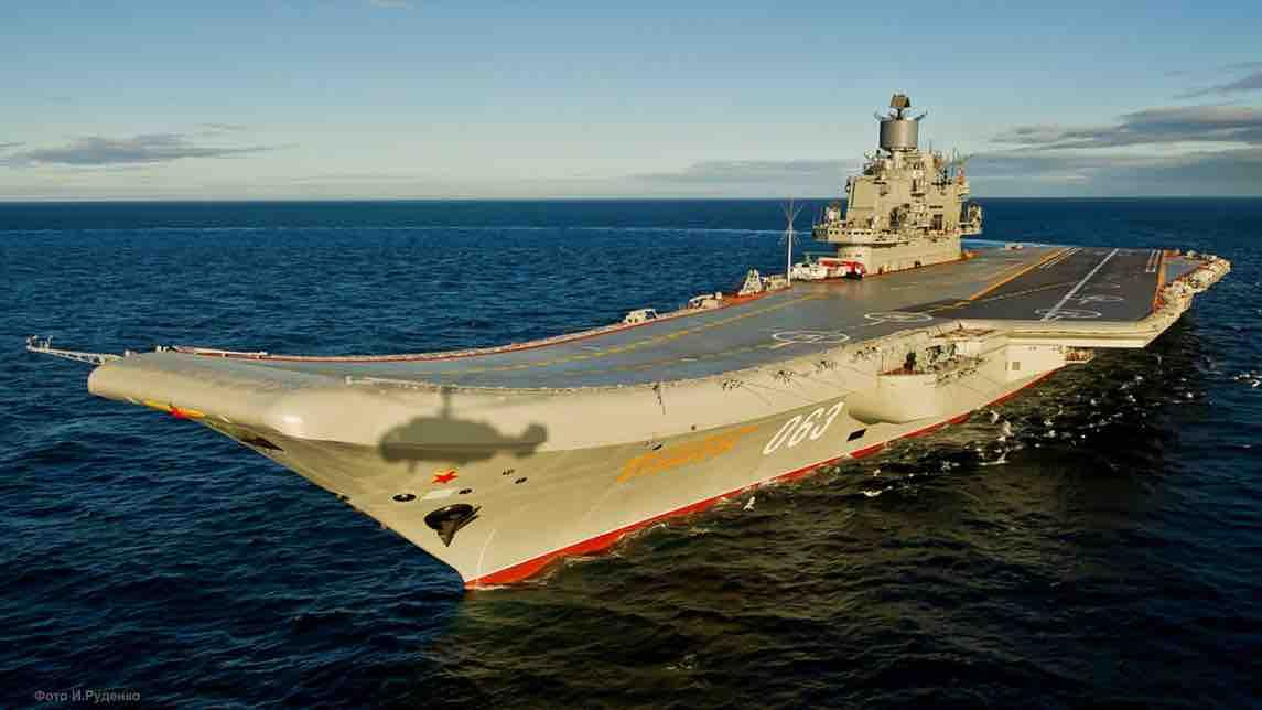 Admiral_Kuznetsov_aircraft_carrier-2