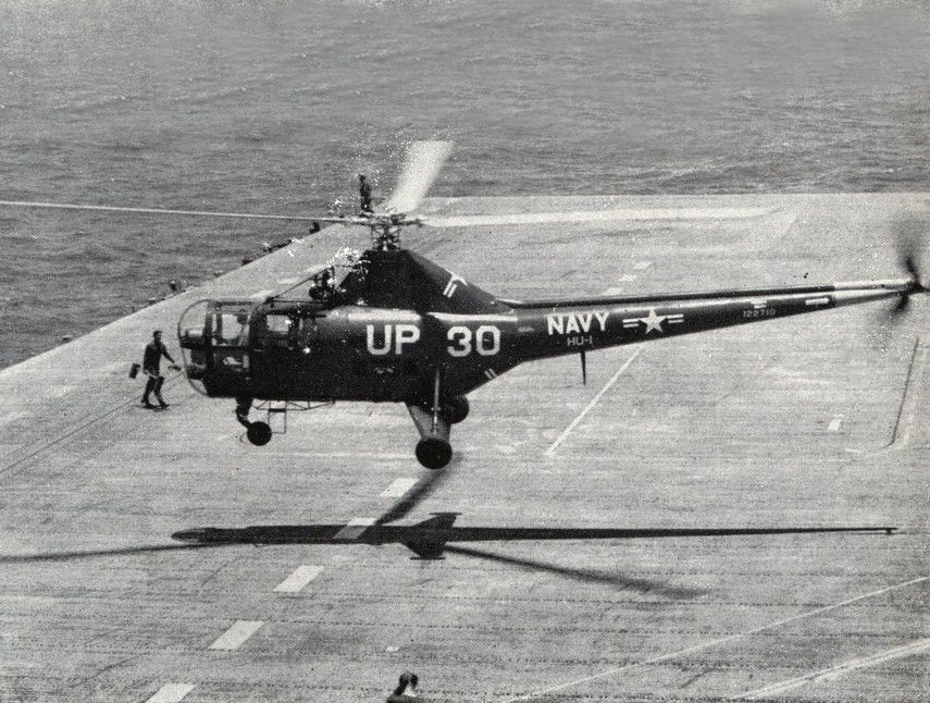 Sikorsky HO3S-1 landing on carrier - marine helicopter