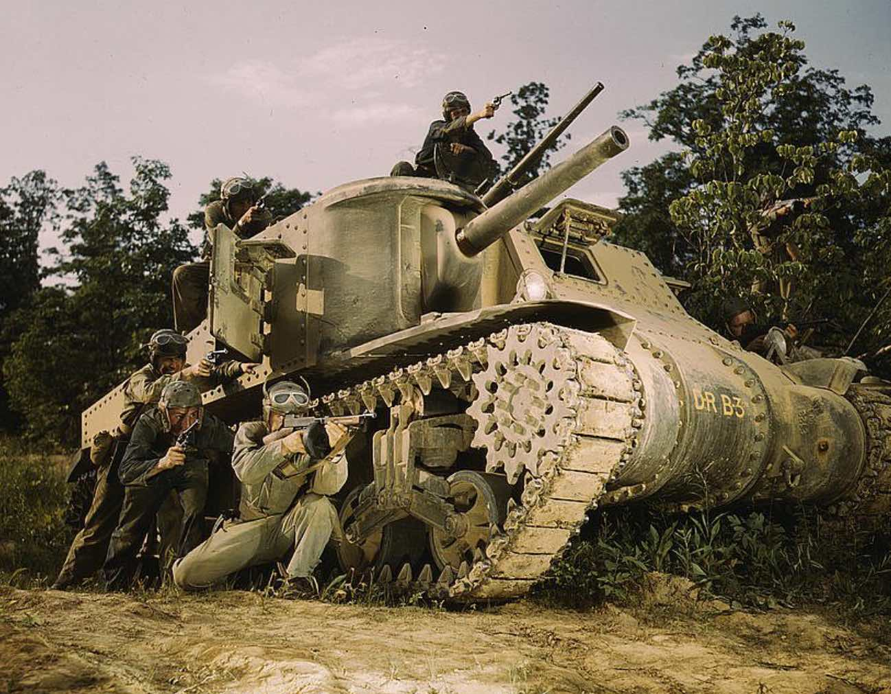 Army soldiers, M3 tank