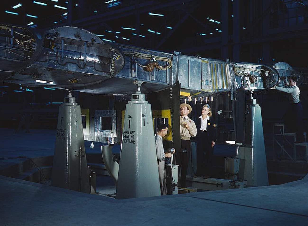 Consolidated Liberator Bomber wing maintenance
