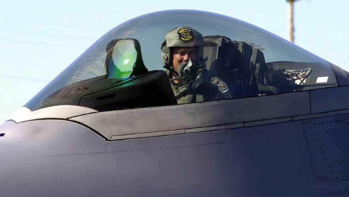F-22 HUD