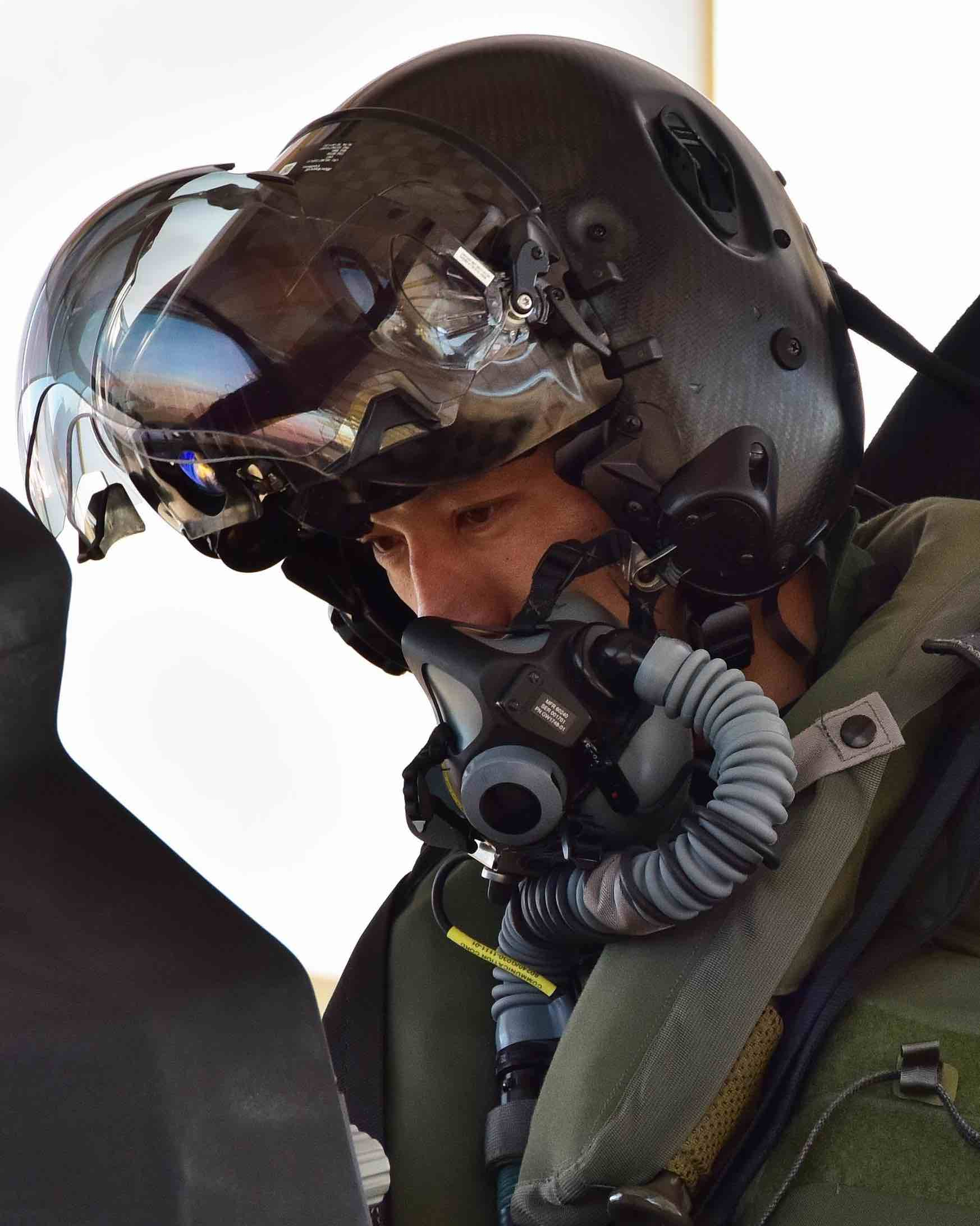 F-35 Helmet, Japan