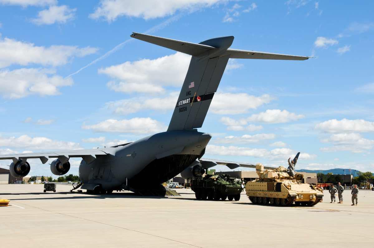 C-17 Payload, C-17 vs C-130
