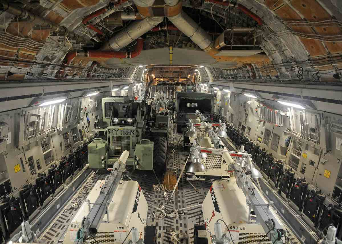 C 17 Vs C 130 Comparing The Two Cargo Aircraft Military