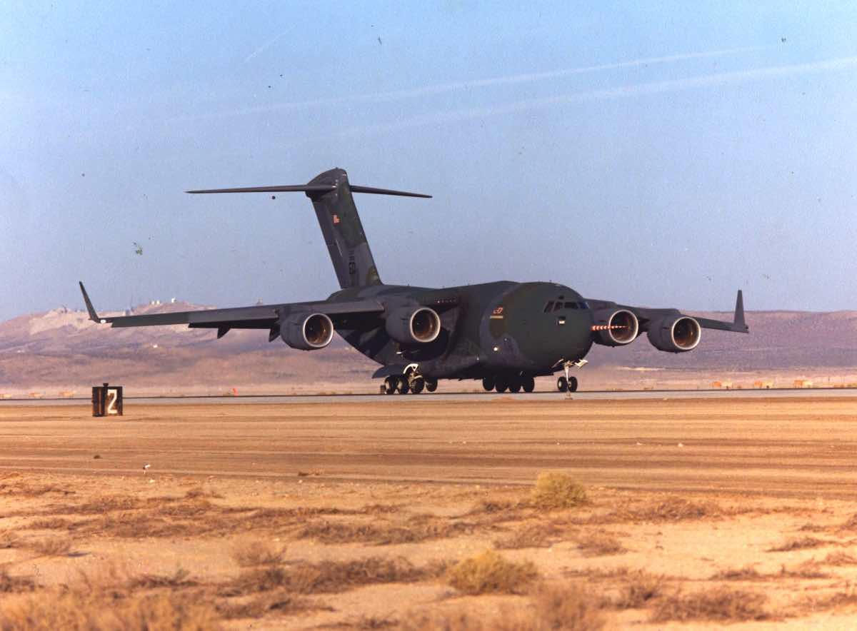 First C-17 flight, C-17 vs C-130