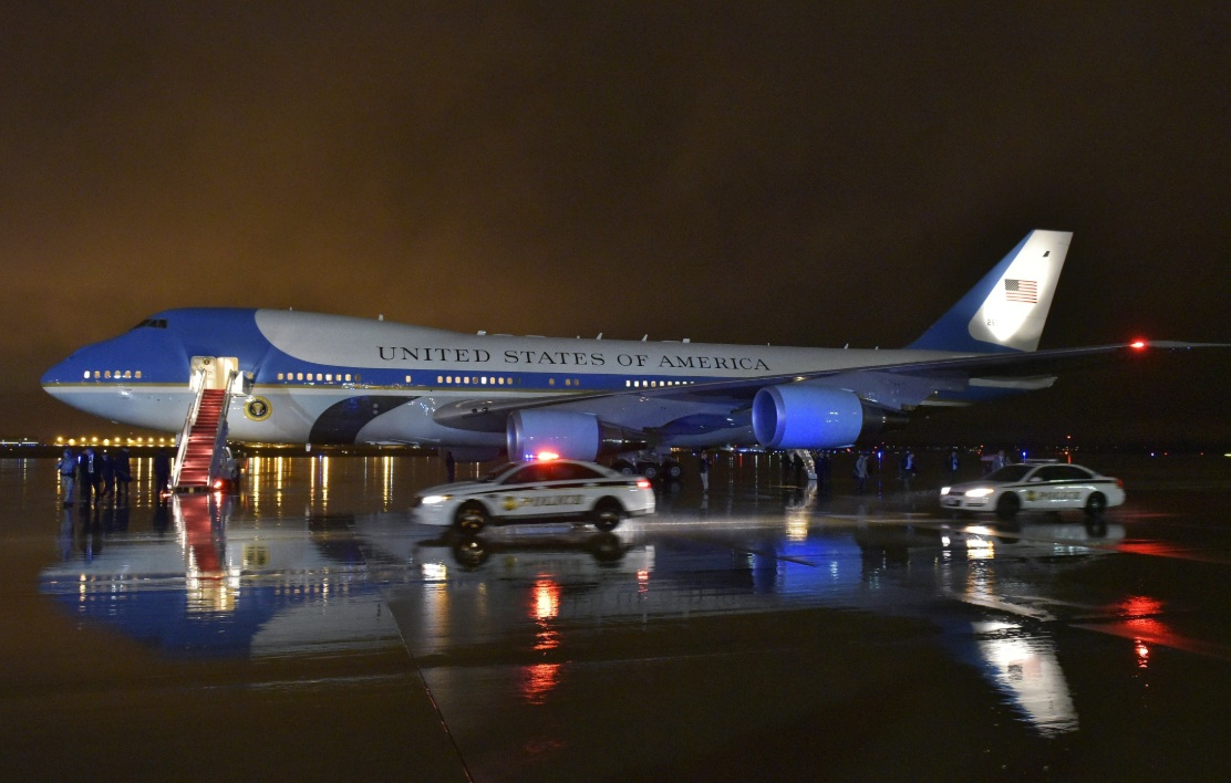 Air Force One facts, night