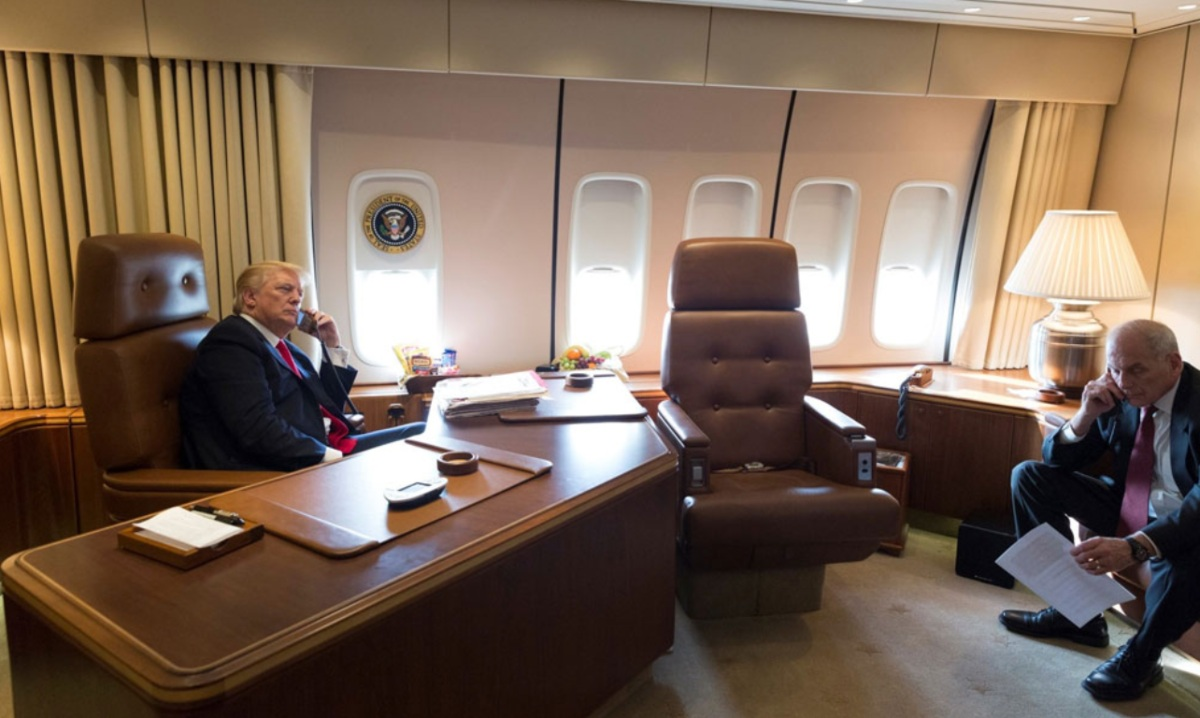 Air Force One facts, oval office