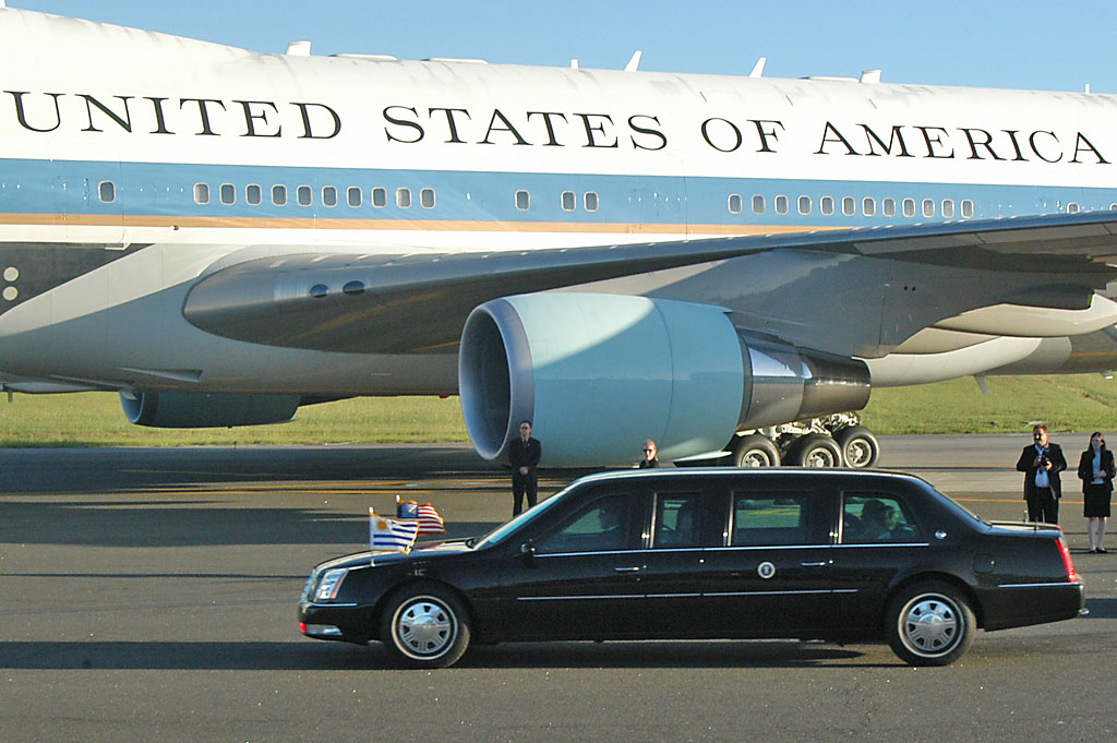 "Air Force One and ""The Beast"", Air Force One facts"