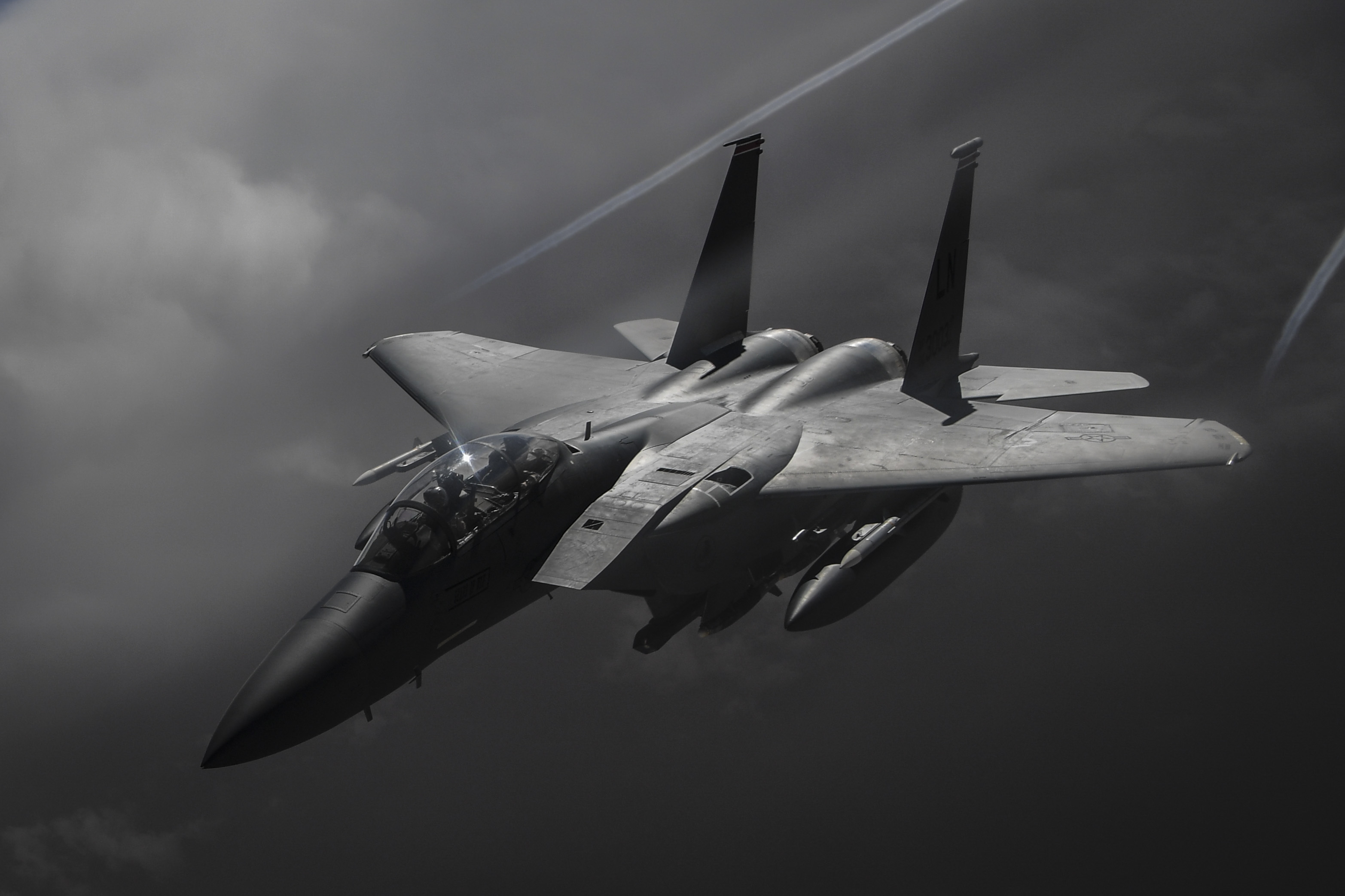 KC-135 refuels F-15s, F-15 facts