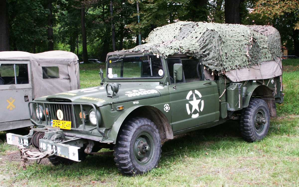 Kaiser M715 pick-up truck, Łańcut, Poland