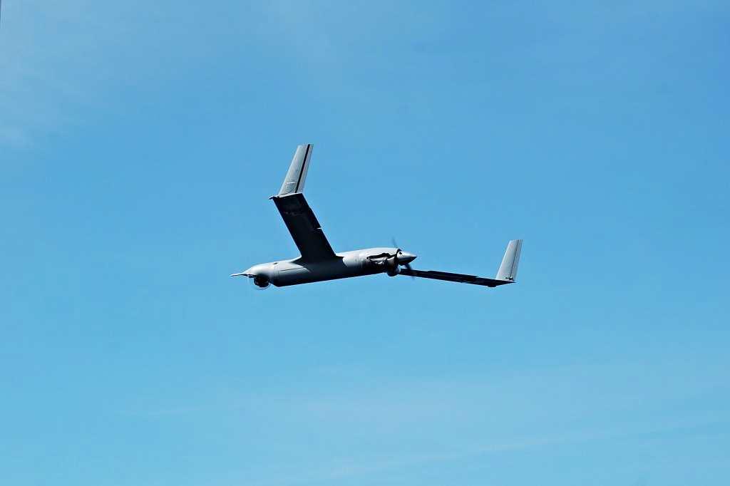 Insitu ScanEagle flies over a Marine Corps base