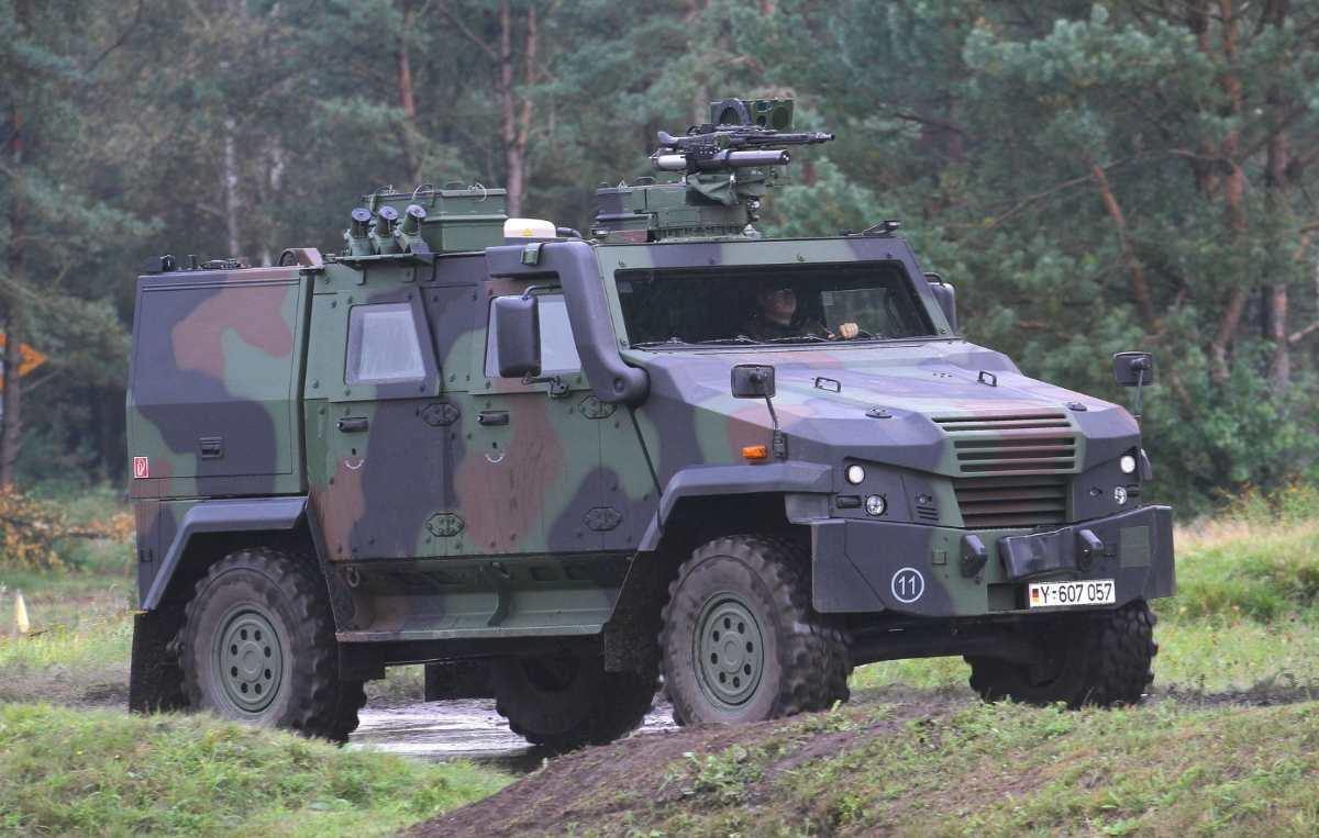 Humvee, Mowag Eagle