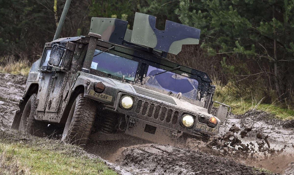 Humvee drivetrain, Humvee in mud